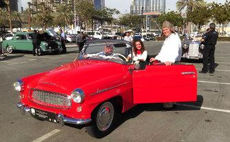 F�d�jat nyert Dubaiban ez a gy�ny�r� koml�i veter�n aut�