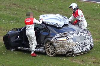 �sszet�rtek egy Audi TT RS protot�pust a N�rburgringen