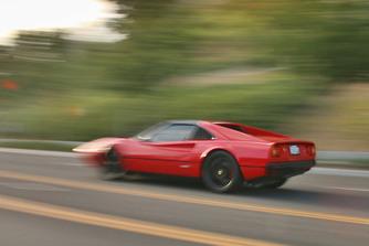 Szents�gt�r�s a villanymotoros Ferrari? Nem, roncsaut� �jj�sz�let�se!