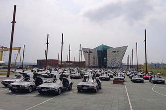 Hetven DeLorean gy�lt �ssze a belfasti Eurofest-en