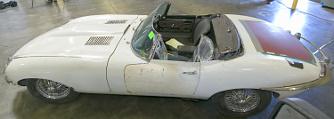 46 �v ut�n ker�lt vissza tulajdonos�hoz az ellopott Jaguar E-Type