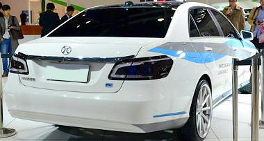 K�n�ban Senova D90 n�ven is lehet majd Mercedes E-oszt�lyt v�s�rolni