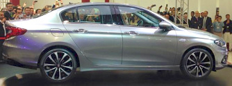 L�pcs�s h�t�k�nt kezd a Fiat �j kompakt aut�ja