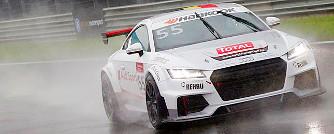 Egy szempillant�s alatt hat darab Audi TT semmis�lt meg