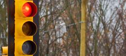 T�zb�l nyolc jelz�l�mp�t meg kellene sz�ntetni a torl�d�s cs�kkent�se �rdek�ben