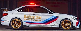 Meg se j�tt a BMW M2-es, de m�ris itt van hozz� a gy�ri tuning. Meg f�nyh�d