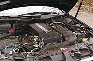 A kompresszoros vitaminnal felpaprikázott négyhengeres erőforrás 163 lóereje bőségesen elegendő az autó mozgatásához