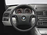 A hagyományos BMW értékek köszönnek vissza az X3 jól áttekinthető műszerfalán