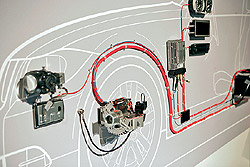 Intelligens generátorvezérlés révén fékezési energiából tölthető az akkumulátor, ami sokféle előnnyel jár