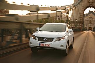 A Lexus tudatosan tette elődjéhez hasonlóvá az új RX sorozatot. A design folytonossága reményeik szerint biztosítja a modell további üzleti sikerét