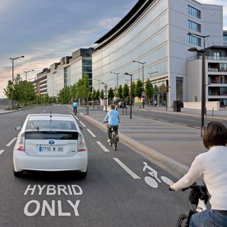 Stockholm komolyan veszi a légszennyezést. Toyota Prius és bringa előtt szabad itt az út, nem csoda, hogy annyi van belőlük