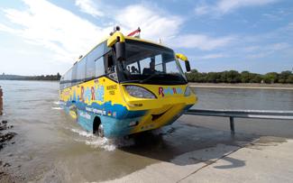 70 méteres betonrámpát építettek a biztonságos vízre szálláshoz és partra guruláshoz