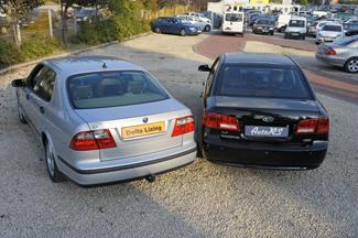 A Kiában tolatóradar segíti a parkolást, mondjuk a Saab vonóhorga is jól jöhet bizonyos esetekben…