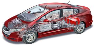 A motor és a vezérlés előre került, a cellamáglya a középső kartámasz alatt rejtőzik, mögötte a levegőt benyomó kompresszorral, hátrább van az akkumulátor és a legvédettebb zónában a nagy hidrogéntartály