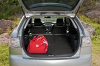 A hátsó ülések a csomagtérből és az utastérből egyaránt ledönthetők