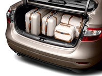 A Renault limuzinjának csomagtartója 530 literes, azonban a lengőzsanérok belógnak a hasznos térbe