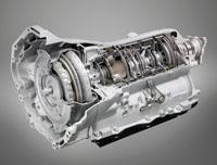 Az 550i-hez alapáron jár, a többihez 642 ezer forint a nyolcfokozatú automata sebességváltó