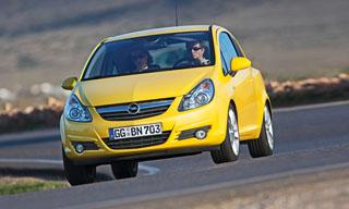 Az 1,3 literes dízelmotorral ellátott Ecoflex-verzió a legtakarékosabb Corsa, mindössze 3,7 liter gázolajat kér 100 kilométerre