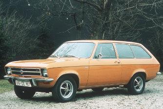 Cicoma nélkül Caravan volt a neve a háromajtós kombinak. Az USA-ban Manta Sport-Wagonént futott