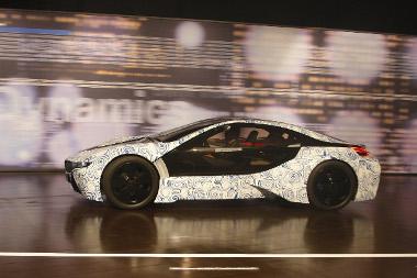 2013-ban megvásárolható a dízel-elektromos hibrid BMW szuperautó