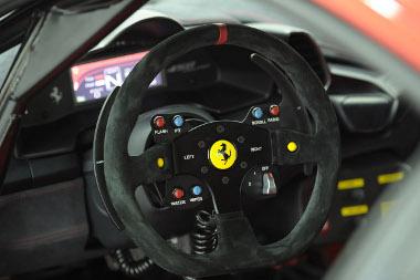 Első Ferrari ügyfél-versenyautóként tele van elektronikával a 458 Challenge