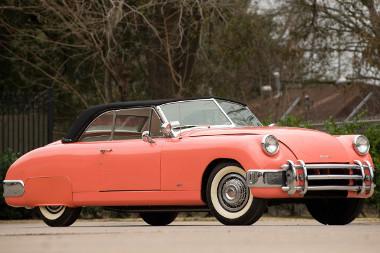 Egy filmszínésznő volt az első tulajdonosa ennek a Muntz Jet Convertible-nek, ezért lett gyárilag rózsaszín