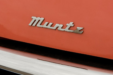 TV-k eladásából lett milliomos, majd hazsnáltautó-kereskedő, végül autógyáros lett Earl Muntz