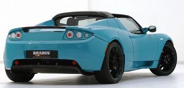 LED-es hátsó lámpákkal és légtrelőkkel módosítják a Tesla Roadster megjelenését