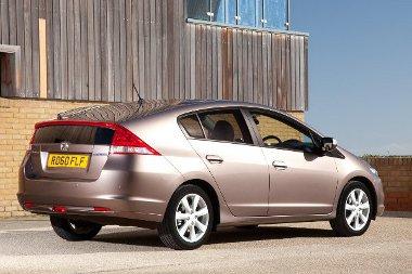 Csak az ára miatt nem veszik, ezért a Honda tökéletesíti az Insight hibridet