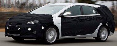 Európában több kombit vesznek, mint lépcsős hátút - ezzel a karosszériával indul a Hyundai i40 forgalmazása
