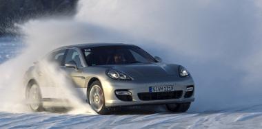 A Panamera lesz az alapja a VW konszern új luxusautóinak. Az ASF és a Mulsanne továbbra is egyedi alapon készül