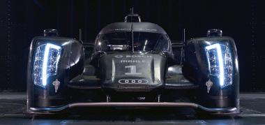 1-es szám látható a jobb oldali fényszóróban. Az éjszakai képeken is könnyen felismerhető lesz az Audi R18
