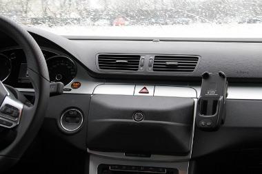 Nem szép, de hasznos a Volkswagen gyári-navigáció védelme