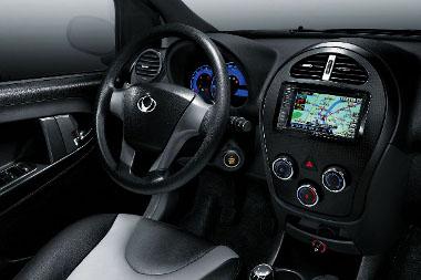 A navigációs rendszer és a bőrkárpit széria a GX2-ben