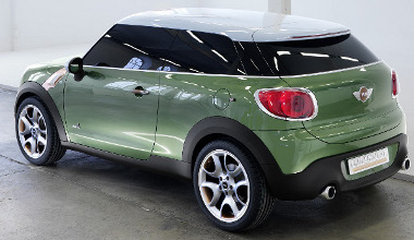 A lámpák miatt hátulnézetből erősen hasonlít a Citroën DS3-asra