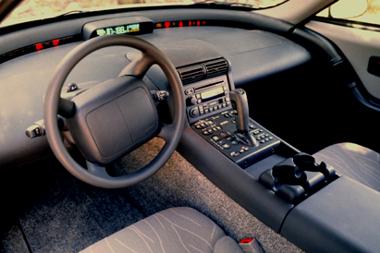 Még rendes műszerfal se volt az első, nagy autógyár által készített elektromos autó belsejében