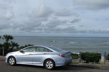 A Csendes Óceán partjáról indult a Sonata Hybrid, azAtlanti Óceánig hajtott. Csak egyszer tankolt