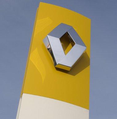 Magas rangú Renault vezetőket függesztettek fel, a vád ipari kémkedés