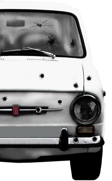 Rendhagyó évadzárót tartott a Fiat 850 Klub. Nem kell aggódni, egy Fiat 850-es se sérült meg ennek a fényképnek a létrehozása során