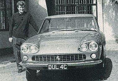 Jogosítványának megszerzése napján vásárolta John Lennon élete első autóját