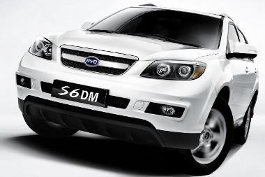 Elektromos, igény szerint összkerékhajtás SUV hatótáv-növelő benzinmotorral. Nincs ilyesmi a piacon, és nem is nagyon terveznek ilyet