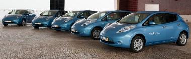 Nagyon várják már a vásárlók, a Nissan azonban biztosra akar menni, ezért nem szállítja a Leaf-eket az USA-ba