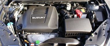 Jól együttműködik a fokozatmentes váltóval a 2,4-es benzines, de tíz literes átlaggal kell számolni