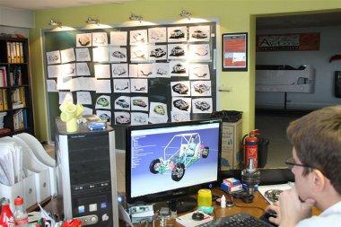 Már dolgoznak a további szakágak autóin az Avitas mérnökei