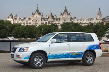 Öt éven belül tízmillió forintos tüzelőanyagcellás-autót akar piacra dobni a Toyota