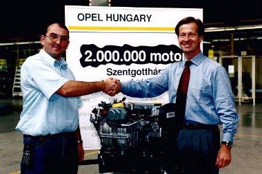 1999-ben elkészül a kétmilliomodik motor a Szentgotthárdi gyárban