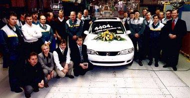 1999-ben legördül az utolsó személyautó a szerelőszalgról. Ezt követően csak motorgyártással foglalkozik az üzem