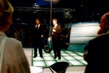 Magyarországon, az akkor még létező Budapesti Autószalonon tartották az Opel Combo haszonjármű világpremierjét