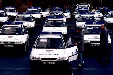 Kifejezetten a Rendőrség igényeire szabott Astrákat is gyártottak Szentgotthárdon. A rendőrfelni fogalom opeles körökben