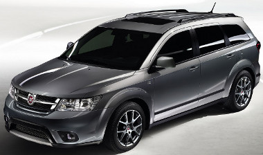 Suzuki SX4 után szabadon - minimális módosítotásokkal illesztették be a Fiat kínálatba a Dodge Journey megjelenését